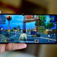 Màn hình Galaxy A50 đạt chuẩn phân giải Full HD+