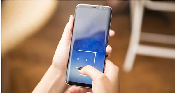 Nên tạo khóa bảo mật điện thoại Samsung để đảm bảo an toàn thông tin